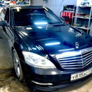 Замена лобового автостекла на Mercedes W221