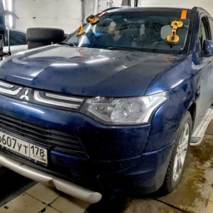 Замена лобового автостекла на Mitsubishi outlander