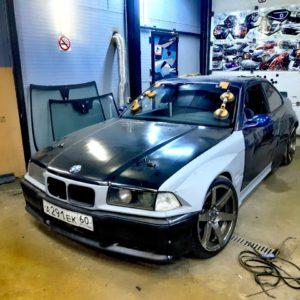 Замена лобового стекла на BMW