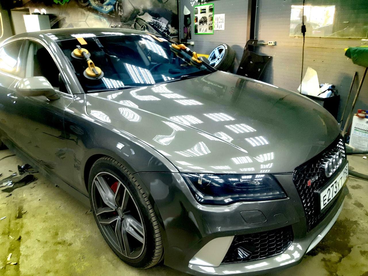 Лобовое автостекло на Audi A6 с установкой в СПБ